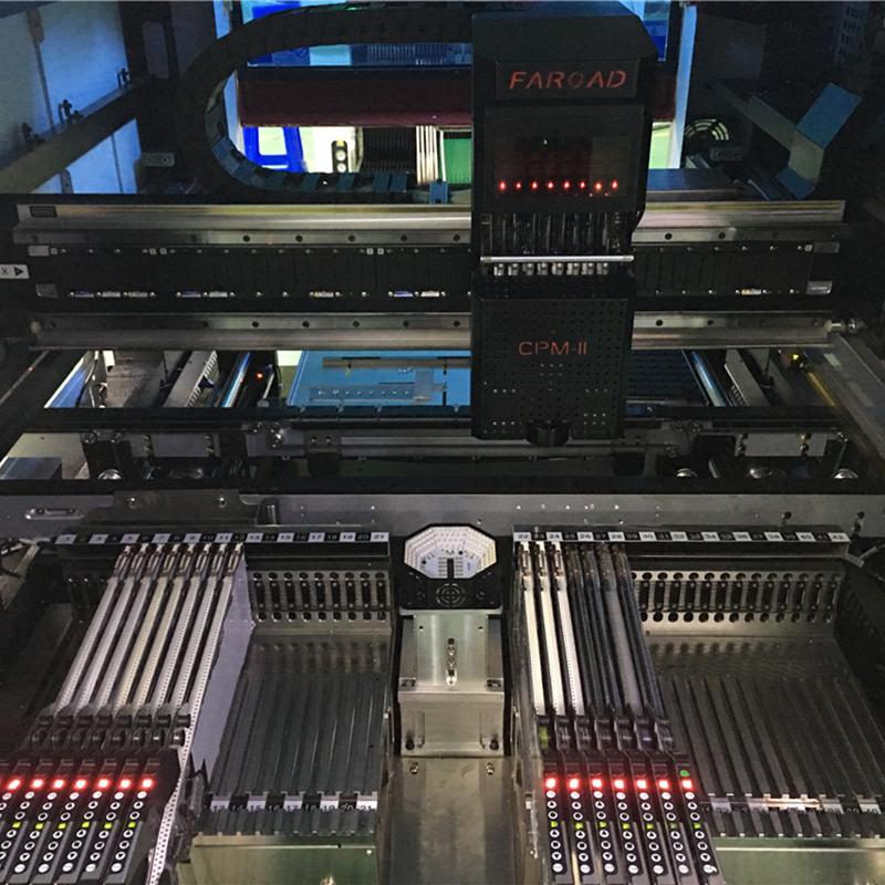 Máy đóng chip tự động- hình ảnh